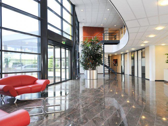 Regenbogen Business Center 1B
